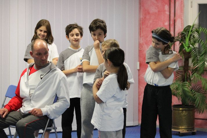 images/stories/kids-wingtsun-selbstverteidigung-kinder-011.jpg
